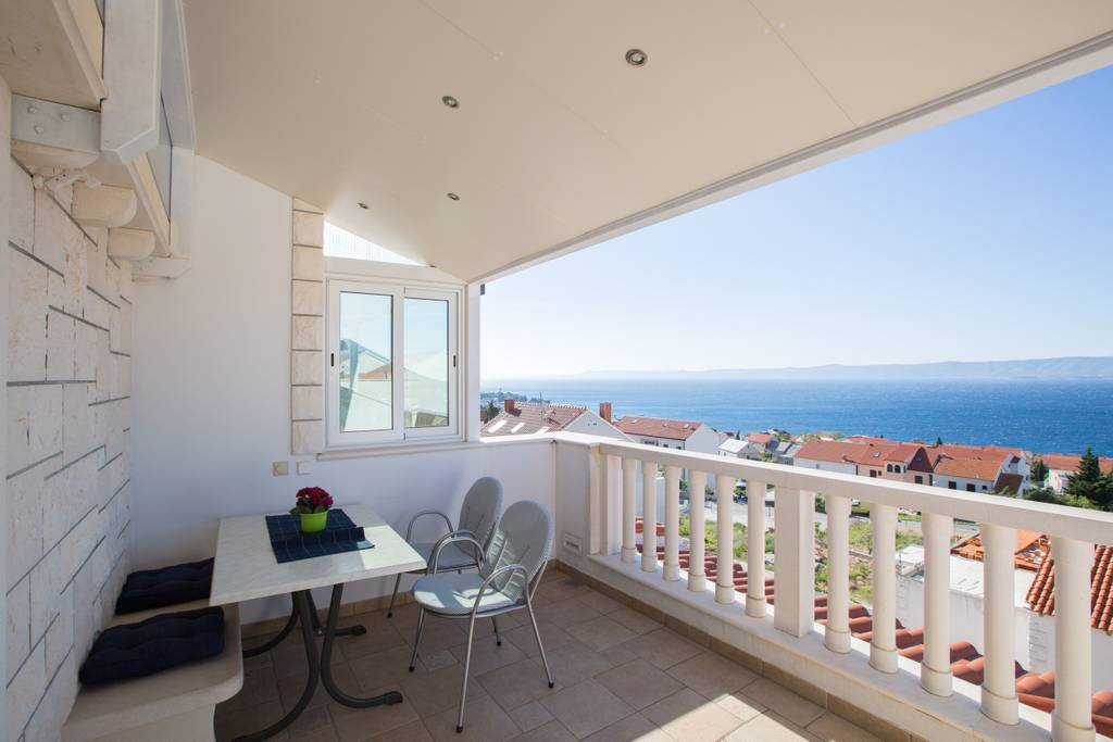 Two bedroom apartment with seaview